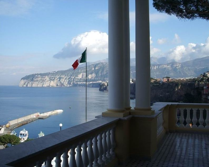 Villa La Terrazza, Sorrento, Italy - www.askelena.com